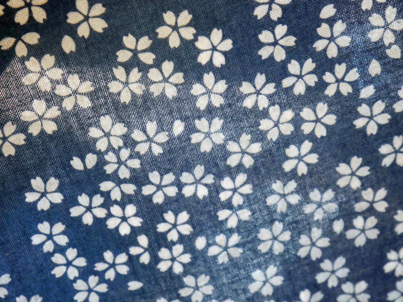 人宿藍染工房の藍染ワークショップでは型紙を使った染めにも挑戦していただけます