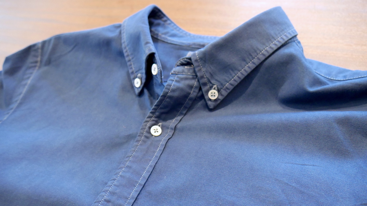 アフター:シンプルな一着だからこそ藍色が映える